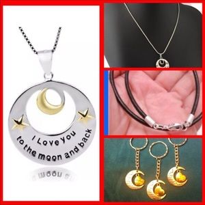 Jewelry - 🎄 I LOVE U TO THE🌙MOON and BACK KEEPSAKE GiFT 🎁
